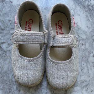 Cienta sparkle shoes 25